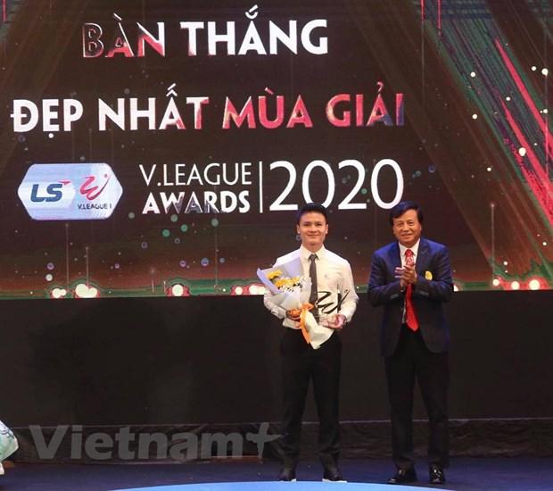 V-League 2020: Tien dao Van Quyet gianh giai Cau thu xuat sac nhat hinh anh 1