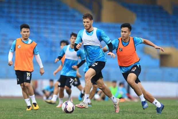 Duy Manh quyet tam cung Ha Noi FC thoat bet bang ngay V-League tro lai hinh anh 1