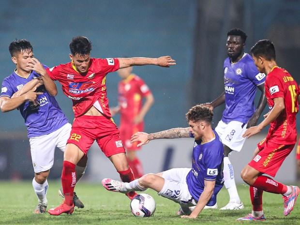 V-League 2021 doi mat kha nang phai huy giai du con toi 8 vong dau hinh anh 1