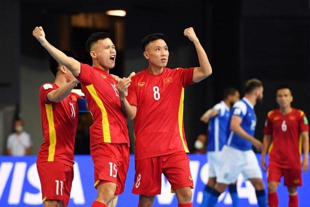 Khoanh khac tuyen futsal Viet Nam sut tung luoi Brazil o World Cup hinh anh 1