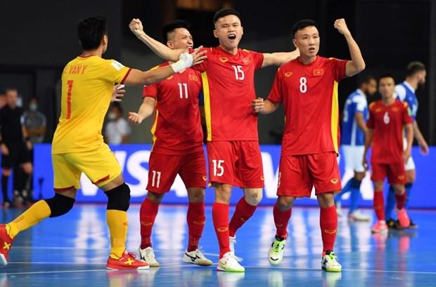 Khoanh khac tuyen futsal Viet Nam sut tung luoi Brazil o World Cup hinh anh 3