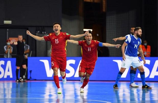 Khoanh khac tuyen futsal Viet Nam sut tung luoi Brazil o World Cup hinh anh 2