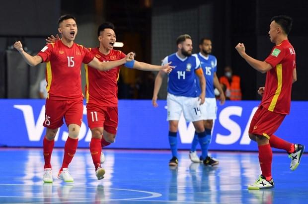 Khoanh khac tuyen futsal Viet Nam sut tung luoi Brazil o World Cup hinh anh 4
