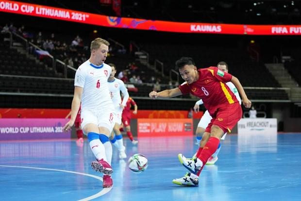 Futsal Viet Nam lap lai lich su, lot vao vong 1/8 Futsal World Cup hinh anh 2