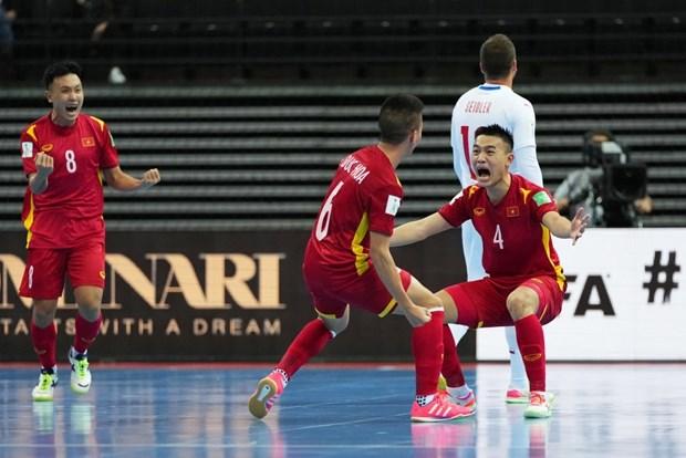 Futsal Viet Nam lap lai lich su, lot vao vong 1/8 Futsal World Cup hinh anh 1