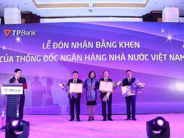 TPBank duoc Thong doc Ngan hang Nha nuoc tang Bang khen hinh anh 1
