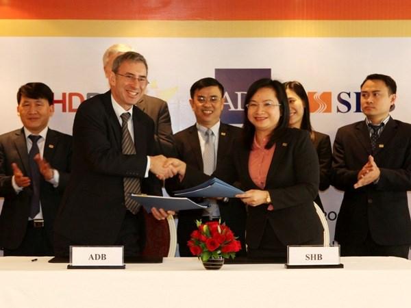ADB cung cap bao lanh 100 trieu USD cho HDBank va SHB hinh anh 2