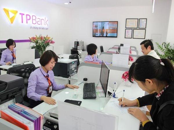 TPBank nhan giai thuong ngan hang uy tin nhat nam 2016 hinh anh 1