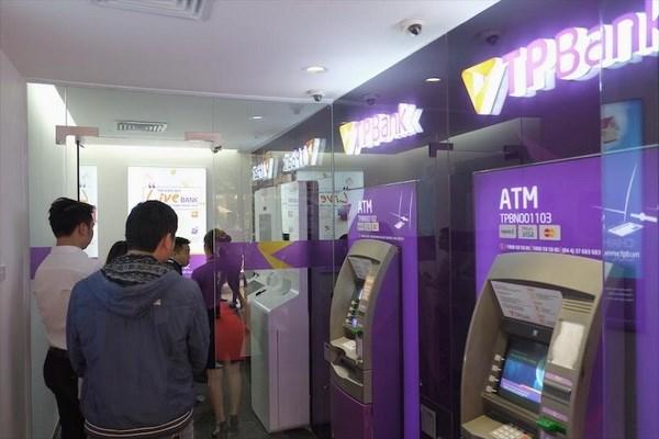 TPBank khai truong diem giao dich LiveBank Pham Hung hinh anh 1