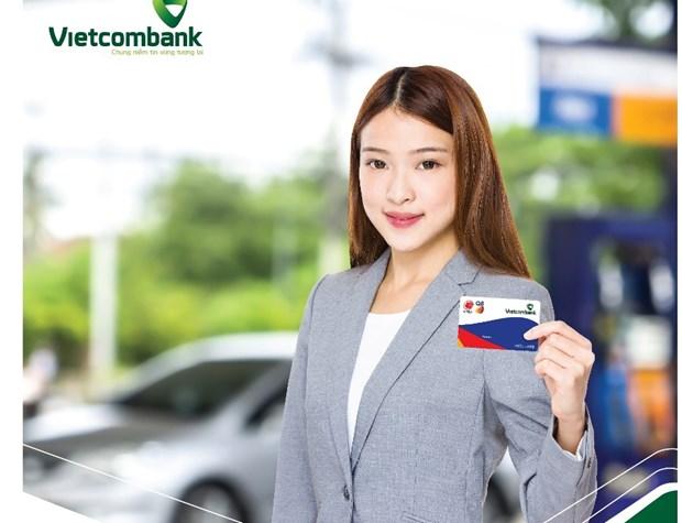 Vietcombank ra mat the tra truoc xang dau Vietcombank Idemitsu Q8 hinh anh 1