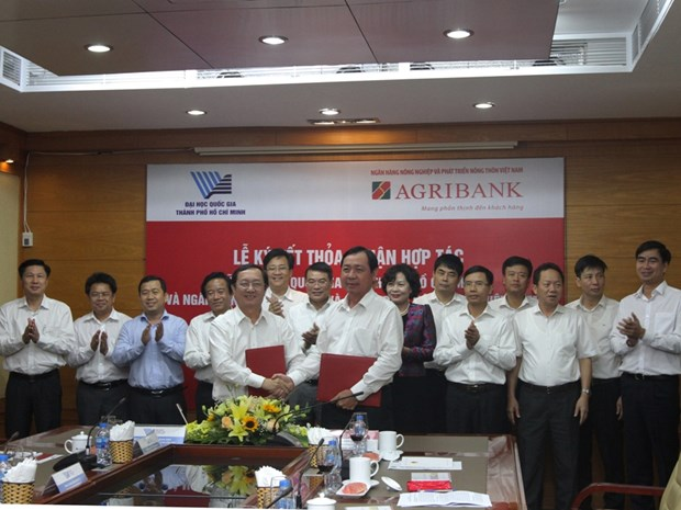 Agribank ky thoa thuan hop tac toan dien voi Dai hoc Quoc gia TP.HCM hinh anh 1