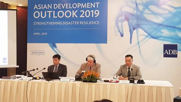 ADB du bao kinh te Viet Nam tang truong 6,8% trong nam 2019 hinh anh 1