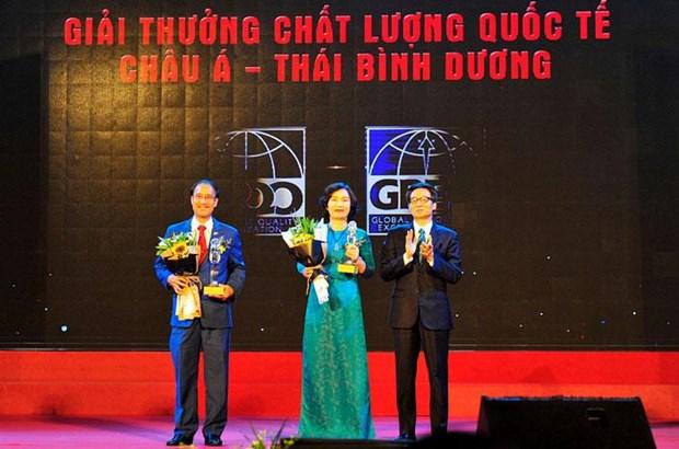 """VietinBank: """"Chat luong tao nen su phat trien ben vung"""" hinh anh 1"""