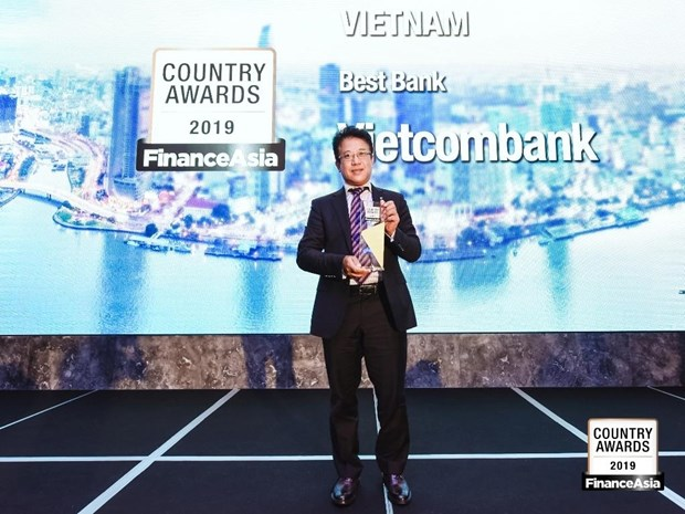 Vietcombank nhan giai thuong ngan hang tot nhat Viet Nam nam 2019 hinh anh 1