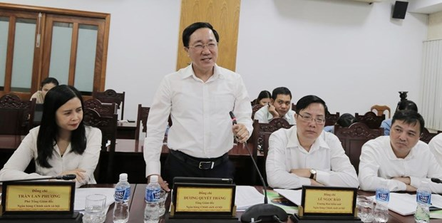 "Dong von chinh sach noi ""bat ngat chan troi mien ha"" hinh anh 1"
