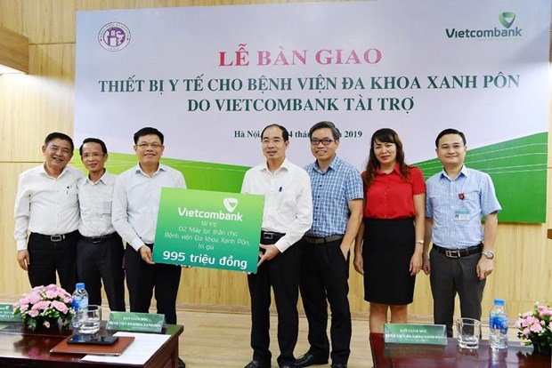 Vietcombank tai tro 2 may loc than cho Benh vien da khoa Xanh Pon hinh anh 1