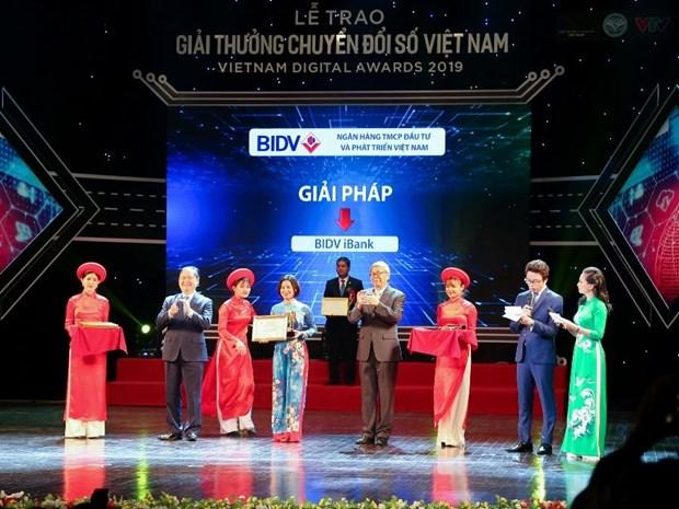 BIDV duoc trao giai doanh nghiep chuyen doi so xuat sac hinh anh 1