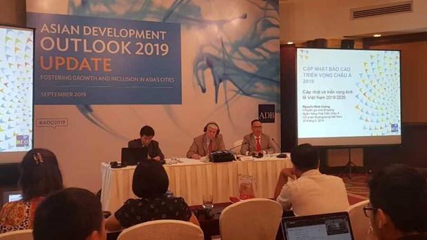 ADB du bao tang truong kinh te Viet Nam dat 6,8% trong nam 2019 hinh anh 1
