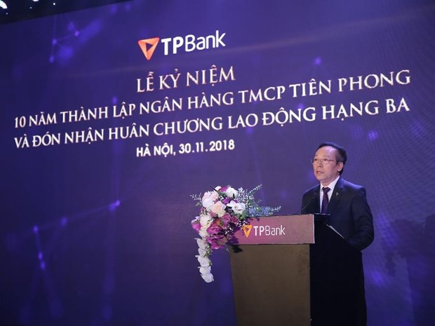 Enterprise Asia tang giai thuong kep cho ong Do Minh Phu va TPBank hinh anh 1