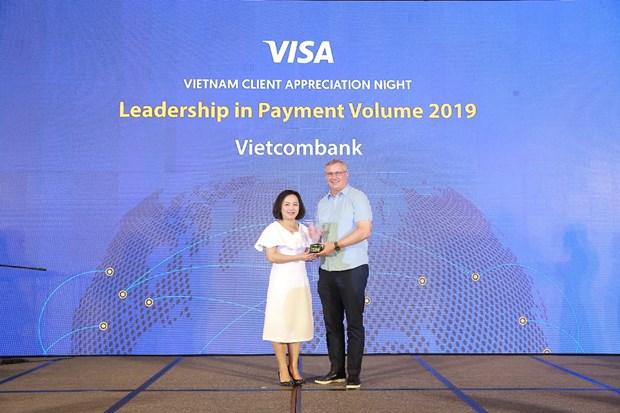Vietcombank nhan 6 giai thuong tu To chuc the quoc te Visa hinh anh 1