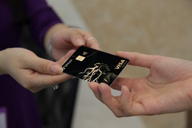 TPBank ra mat the Visa Signature va ngan hang so tuong lai eBank X hinh anh 1