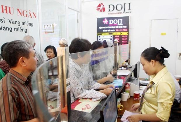 Gia vang dong loat giam manh toi 700.000 dong sau ky nghi le hinh anh 1