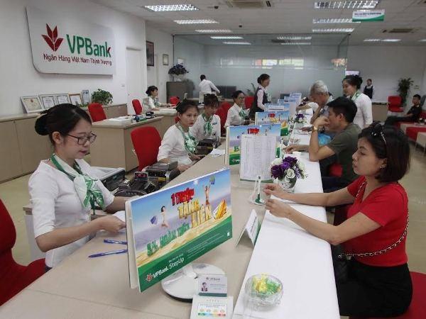 VPBank tang them 0,5% lai suat cho khach hang gui tiet kiem online hinh anh 1