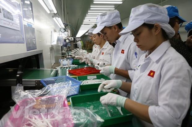 ADB: Kinh te Viet Nam van vung vang truoc nhung thach thuc do COVID-19 hinh anh 1