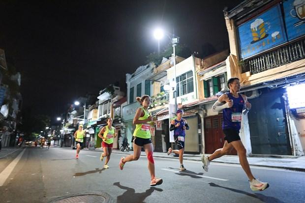 Nhieu 'chan chay' dot pha tai VPBank Hanoi Marathon ASEAN 2020 hinh anh 2