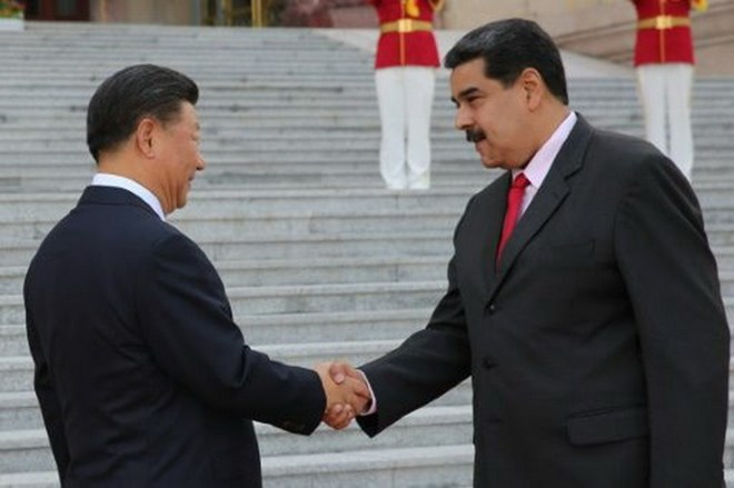 Tổng thống Venezuela Nicolás Maduro (phải) và Chủ tịch Trung Quốc Tập Cận Bình. Nguồn: AFP