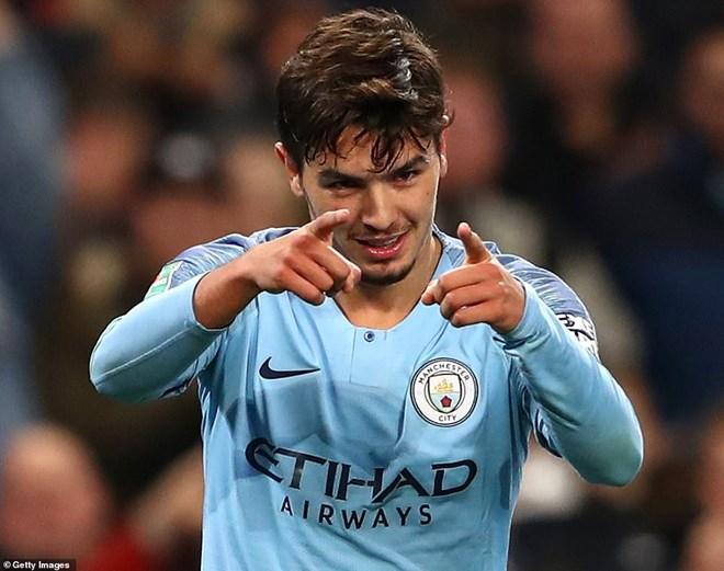 Manchester City thẳng tiến Cúp Liên đoàn Anh bằng đội hình 2 - 1