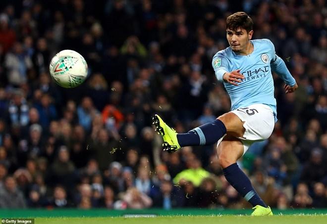 Manchester City thẳng tiến Cúp Liên đoàn Anh bằng đội hình 2 - 4