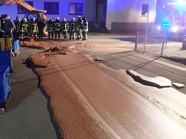Một tấn chocolate chảy tràn ra đường phố như truyện cổ tích