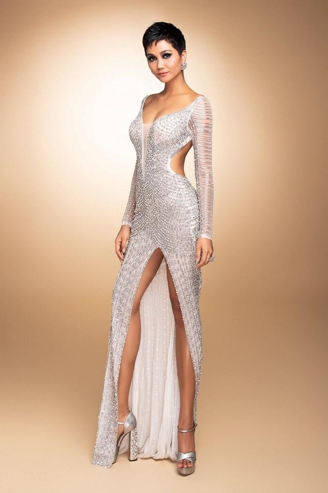 Chiếc váy dạ hội H'Hen Niê mặc trong đêm chung kết. Ảnh: BTC