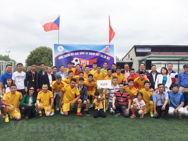 Sôi nổi Giải bóng đá cộng đồng người Việt Nam tại Cộng hòa Séc