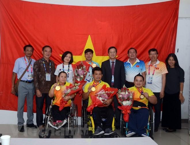 Đại sứ Việt Nam tại Indonesia chúc mừng đoàn thể thao Việt Nam