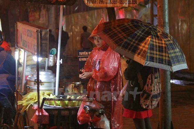 Các khu vực trong cả nước đều mưa, Bắc Bộ và Hà Nội lạnh về đêm - ảnh 1