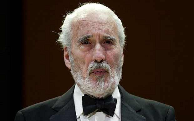 Diễn viên huyền thoại nổi tiếng với vai ác quỷ Dracula qua đời