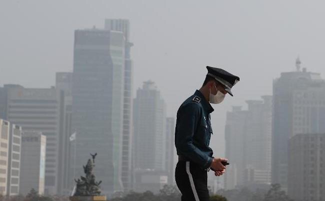 Dân Hàn Quốc kiện chính phủ và Trung Quốc bồi thường thiệt hại do bụi - ảnh 1