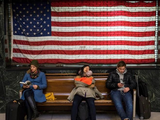 Nhiều người Mỹ vẫn gặp khó khăn trong cuộc sống dù nền kinh tế mạnh - ảnh 1