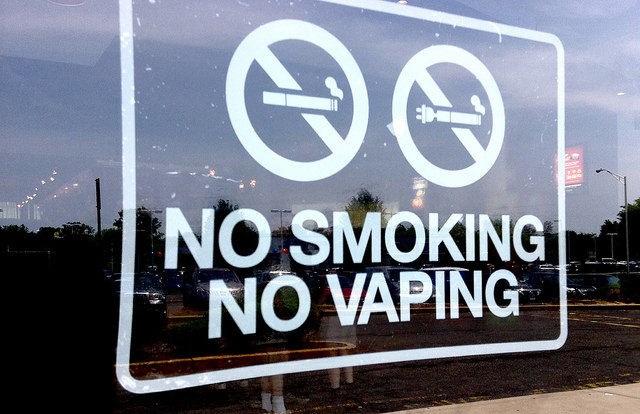 Tỷ lệ hút thuốc lá ở Mỹ giảm xuống mức chưa từng thấy - ảnh 1