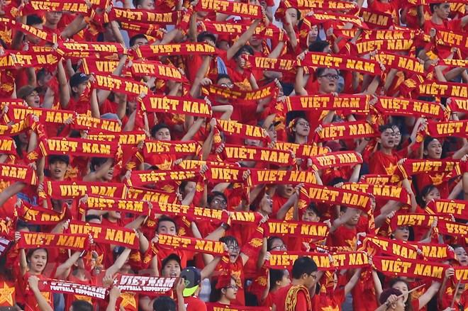 Dù Vậy, Những Hình Ảnh Như Thế Này Là Đủ Làm Ấm Lòng Các Cầu Thủ U21 Việt  Nam. Trong Thất Bại, Cổ Động Viên Vẫn Không Rời Bỏ Đội Bóng.