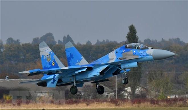 Máy bay Su-27 UB của Ukraine tham gia huấn luyện tại căn cứ không quân  Starokostyantyniv ngày 12/10/2018. (Ảnh: AFP/ TTXVN)