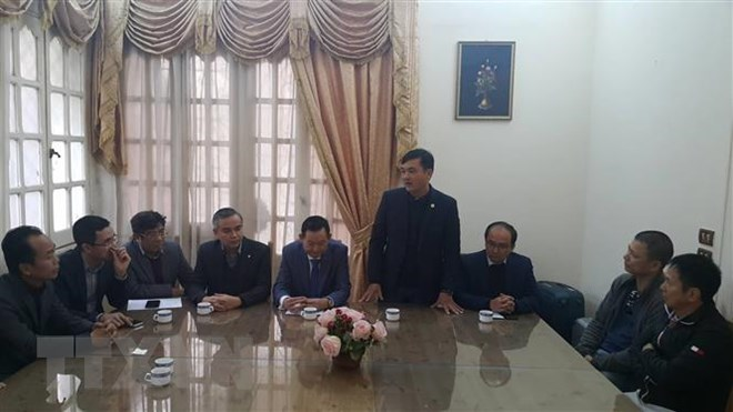 Giám đốc Sở Du lịch TP Hồ Chí Minh Bùi Tá Hoàng Vũ (người đứng phát biểu) tại buổi làm việc. (Ảnh: Việt Khoa/TTXVN)