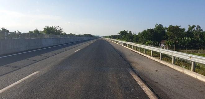 Đề xuất cho thu phí trở lại đường cao tốc Đà Nẵng-Quảng Ngãi