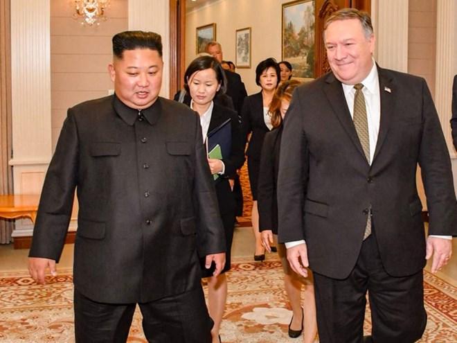 Ngoại trưởng Mỹ Mike Pompeo và nhà lãnh đạo Triều Tiên Kim Jong-un. Nguồn: independent.co.uk