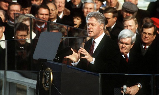 Tổng thống Mỹ Bill Clinton đọc diễn văn nhậm chức vào năm 1997. (Ảnh: AFIC)
