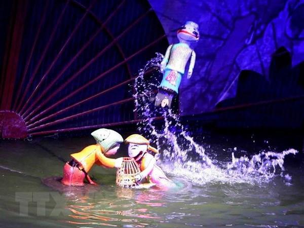 Một cảnh trong vở rối Trê và Cóc của Nhà hát múa Rối Việt Nam tham dự liên hoan. Ảnh: Thanh Tùng/TTXVN