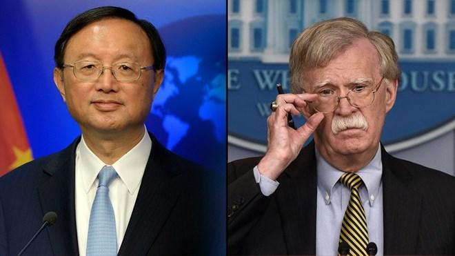 Ông Dương Khiết Trì và cố vấn an ninh quốc gia Mỹ John Bolton. Nguồn: yahoo.com