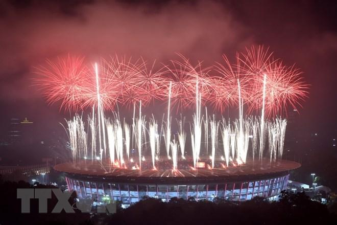 Màn pháo hoa rực rỡ trong lễ bế mạc Đại hội thể thao châu Á (ASIAD) 2018 tại sân vận động Gelora Bung Karno ở thủ đô Jakarta, Indonesia tối 2/9. (Nguồn: AFP/TTXVN)